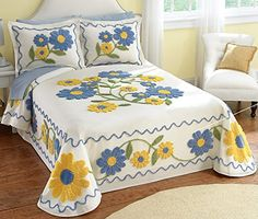 Collections Etc Daisy Chenille Floral Bedspread Crewel Embroidery, Embroidery Patterns, Quilt Bedding, Bedding Sets, Linen Bedding, Brother Innovis, Bed Cover Design, Designer Bed Sheets, Floral Bedspread