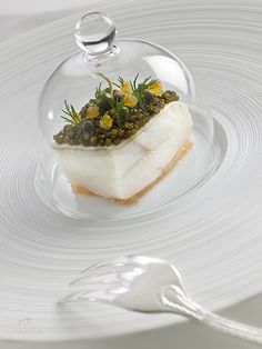 @ Château de La Chèvre d'Or. Hôtel et restaurant dans un village. Rue du Barri 06360 Eze-Village (Alpes-Maritimes). France.