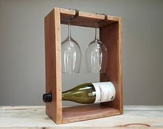 Wood Countertops Reclaimed wood wine rack for two persons. Countertop Wine Rack, Wood Countertops, Vin Palette, Concrete Coffee Table, Pallet Wine, Wine Glass Holder, Wine Holders, Wood Wine Racks, Small Wood Projects