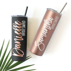 Personalized Skinny Tumbler Matte Black / Rose Gold Personalisierte Skinny Tumbler Mattschwarz / Rose Gold, Tumbler, Thewhiteinvite, The White Invite – The White Invite Bridesmaid Gifts Unique, Bridesmaid Gift Boxes, Personalized Bridesmaid Gifts, Personalized Wine, Bridesmaid Proposal, Bridesmaid Cups, Bridesmaid Glasses, Bridesmaid Makeup Bag, Bridal Party Getting Ready