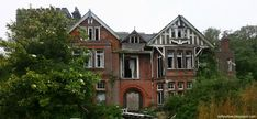 The 15 creepiest abandoned places in Britain you'd NEVER spend the night in – The Sun Abandoned Places In The Uk, Abandoned Mansion For Sale, Old Abandoned Houses, Abandoned Mansions, Abandoned Buildings, Old Houses, Creepy Houses, Mansion Interior, Plantation Homes