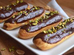 Domácí housky - Avec Plaisir Eclairs, Food Photo, Vanilla, Homemade, Baking, Ethnic Recipes, Desserts, Instagram, Tailgate Desserts