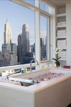 Luxury Interiors. Manhattan Tribeca Billionaire's Abode. This penthouse has the best view in NYC! Fantastic!
