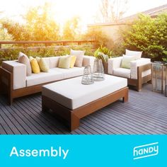 Need patio decorating ideas or outdoor decor inspiration? Transform your backyard, porch, deck, balcony or patio into the outdoor oasis of your dreams. Indoor Outdoor Rugs, Outdoor Area Rugs, Outdoor Spaces, Outdoor Decor, Outdoor Benches, Patio Bench, Outdoor Cushions, Outdoor Sectional, Outdoor Fabric