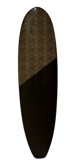 Pranchas elegantes e com design conceitual para pais surfistas. As peças são assinadas pela Crocco Studio Design.