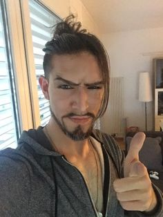 Hanzo Cosplay By Stylouz  FB page : www.facebook.com/Stylouzcosplay Hot Men, Hot Guys, Overwatch Hanzo, Hanzo Shimada, Best Cosplay, Videogames, Hate, Gaming, Fandoms