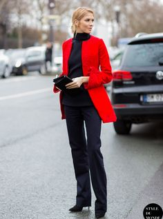 all-black-outfit-with-red-blazer