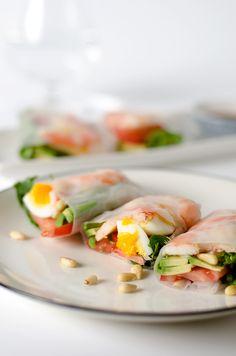 Avocado Shrimp Spring Roll | http://omnivorescookbook.com/
