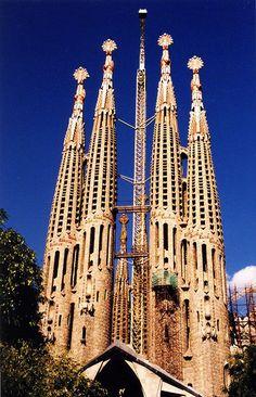 Barcelona #Barcelona #HolidayCheck  http://www.holidaycheck.nl/city-reisinformatie_Barcelona-oid_2378.html