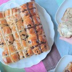 Hot cross buns (brioches de Pâques) @ allrecipes.fr