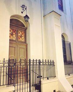Some details in Pirate's Alley French Quarter New Orleans. #neworleans #louisiana #frenchquarter #stlouiscathedral #travel #travelgram #wanderlust #traveling #usa #america #piratesalleycafeandabsinthehouse #piratesalley #drunkennights #rum by itsmelaniebaker