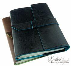 Leren notitieboek Manufactus - Capitoline Leather Journal, Journals, Wallet, Fashion, Magazines, Pocket Wallet, Moda, Diy Wallet, Fasion