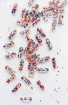 A Bubbly Life: DIY Sprinkle Pills!