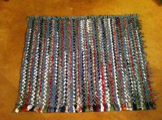 Finished with another woven rag rug ! Made by me LKV :)