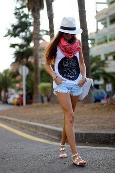 Blouse: PersonalClothink | shorts, sandals & bag: Zara | bracelet & scarf: Link | hat: local store.  http://marilynsclosetblog.blogspot.com.es