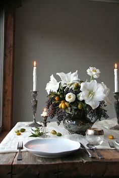 another view of that arrangement--amaryllis, ranunculus, privet berries and cumquats dinnerware, table settings Beautiful Table Settings, Wedding Table Settings, Place Settings, Table Wedding, Rustic Table Settings, Wedding House, Wedding Reception, Dream Wedding, Deco Floral