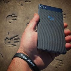 #inst10 #ReGram @blackberrygram: Leave your mark make your impression - #BlackBerry #Motion #BBMotion #BlackBerryMotion #bbmobile #bbFanLeaguePromo #android #smartphone #smartphonephotography #Unstoppable #Mobile #teamblackberrry #impressions #handprint#ShotOnBBmotion #blackberrygram Blackberry Mobile Phones, Blackberry Z10, Android Smartphone, Case Study, Tech, Make It Yourself, Technology