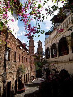 Vista de Taxco desde callejón || De mi galería de Flickr