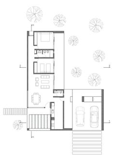 The balance of glass walls and private spaces creates a functional space for a young family with modern tastes in central Argentina. Small Floor Plans, Home Design Floor Plans, Small House Plans, House Floor Plans, Single Storey House Plans, Atrium House, Small Bungalow, Architectural Floor Plans, Modular Homes