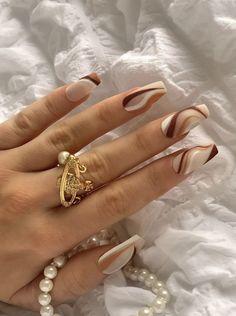 Acrylic Nails Coffin Short, Simple Acrylic Nails, Almond Acrylic Nails, Simple Nails, Acrylic Nail Designs, Brown Nail Designs, Neutral Nail Designs, Almond Nail Art, Classy Nail Designs