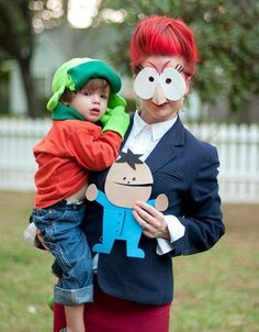 DIY Halloween family costume idea: South Park Kyle and Sheila Broflofski