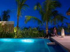 Hotel and Resort Design, Vacation House Rentals Single Girl Charming Body And Palm Girls Service In Villa: Jumeirah Vittaveli Resort and Vac...