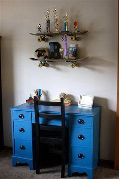 DIY Furniture : DIY Blue Desk {Skateboard room}