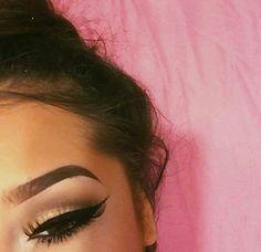 eyebrows and winged liner ‣▹ ▹‣ Kiss Makeup, Glam Makeup, Love Makeup, Makeup Inspo, Makeup Inspiration, Beauty Makeup, Hair Makeup, Hair Beauty, Perfect Makeup