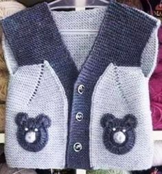 21 Ideas Knitting Sweaters For Boys Baby Vest For Häkelanleitung Baby, Baby Boy Vest, Baby Boy Cardigan, Baby Boy Jackets, Baby Boys, Baby Knitting Patterns, Knitting For Kids, Crochet For Kids, Knitting Projects