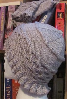 Honeycomb Ruffle Mitts & Hat