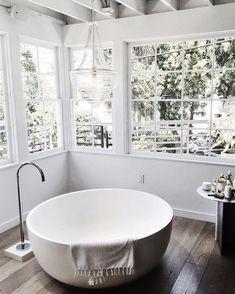 25 Small Standing Tub Designs for Tiny Spaces - Badezimmer Minimal Bathroom, Small Bathroom, Glass Bathroom, Bathroom Fixtures, Modern Bathroom, Bathroom Tubs, Relaxing Bathroom, Rental Bathroom, Concrete Bathroom