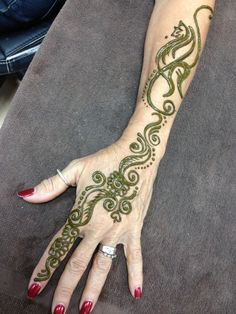 Henna hand design www.tejalhenna.com