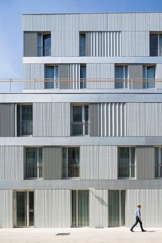 Sozialmedizinisches Zentrum in Paris - Fassade - Kultur / Bildung - baunetzwissen.de