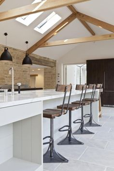 Les Vieilles Granges Transformées En Maisons Lofts. Barn Conversion  KitchenBarn ...