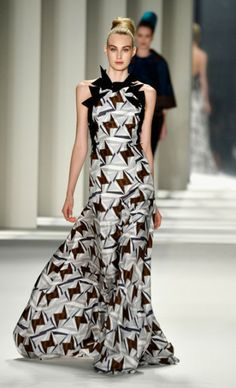 Mercedes-Benz Fashion Week : CAROLINA HERRERA