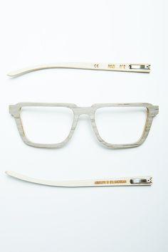 No.2 Oak, handmade, wooden sunglasses by Rozi Handcrafted Sunglasses