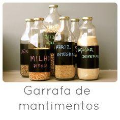 ótima ideia para aproveitar as garrafas de vidro! prático e muito charmoso!