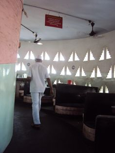 Architecture student's corner: Laurie Baker's Indian Coffee House, Trivandrum.