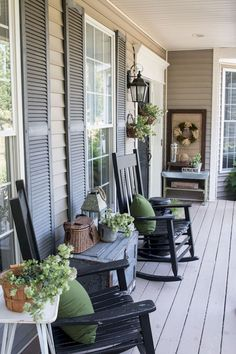 110 best farmhouse porch decor ideas (58)