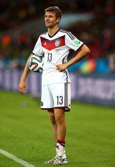 Our favourite idiot. Thomas Müller :)