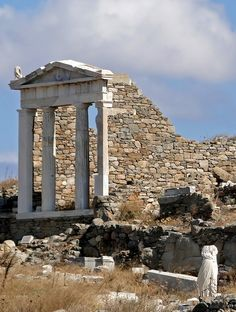 Temple of Isis on Delos, Greece - uninhabited and protected. In its heyday island was used only for religious purposes. Culture Art, Greek Culture, Ancient Ruins, Ancient Greece, Ancient Artifacts, Ancient Egypt, Delos Greece, Mykonos Island, Greek Isles