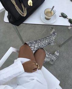 French Fashion Tips shoe trend miamlsunshine: Fashion Shoes, Fashion Accessories, Fashion Outfits, Fashion Tips For Women, Womens Fashion, Fashion Ideas, Minimalist Shoes, New Shoes, Women's Shoes