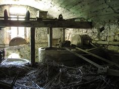 http://upload.wikimedia.org/wikipedia/commons/3/3f/Abandoned_olive_oil_mill.jpg