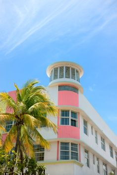 Stock Photo : Art Deco hotel facade in Miami Florida USA Hotel Art Deco, Miami Art Deco, South Beach Florida, Miami Florida, Miami Beach, Style Miami, Florida Images, Florida Pictures, Flying Buttress