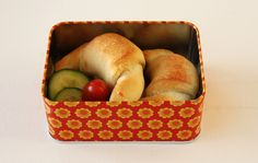 Fylte horn — FAMILIEMAT Bagel, Horns, Peach, Apple, Fruit, Food, Meal, Horn, Peaches