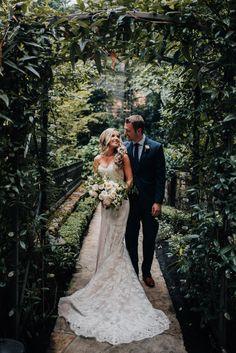 Lake Oswego, Oregon wedding. Photography by Christy Cassano Meyer. Bouquet by Seventh Stem. #oregonwedding #gardenwedding #backyardwedding