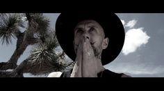 Me And That Man , das Nebenprojekt des Behemoth-Sängers Nergal, hat einen Song aus dem aktuellen Album Songs of Love and Death . Der Song hört auf den Namen Cross My Heart And Hope To Die und wer jetzt mit düster-extremem Metal rechnet, der sollte sich auf eine Überraschung gefasst machen: Mit Me And That Man beschreitet [ ]