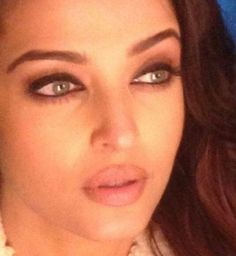 Up Close in ADHM: Aishwarya stuns in this still from the movie! | PINKVILLA