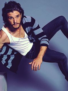 Kit Harington my love <3