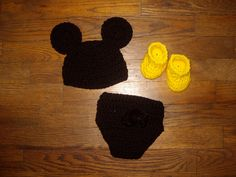 Baby boy mouse hat, diaper cover, and matching bootie set